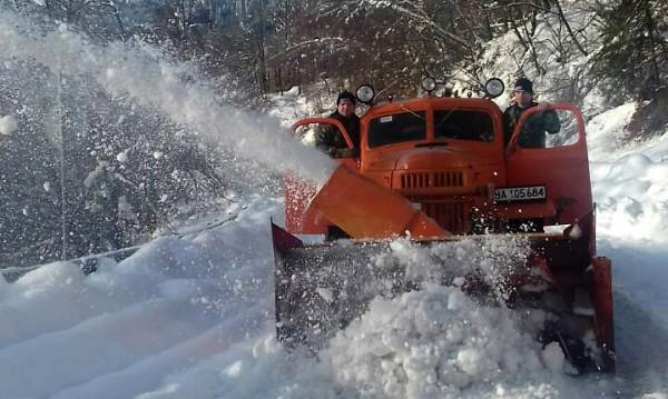 Втори ден бедствие: Заради снега, десетки селища без ток!
