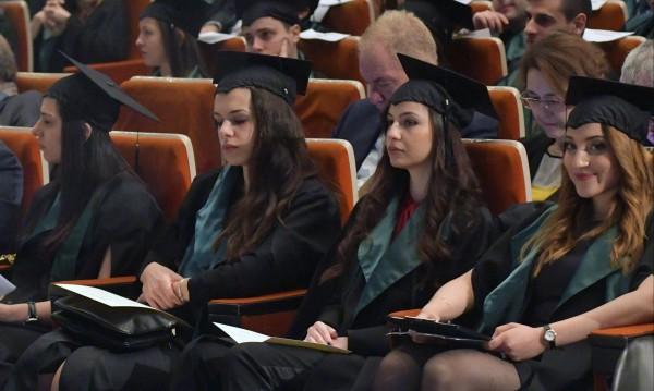 Тенденция сред студентите: Медицината вече пред правото