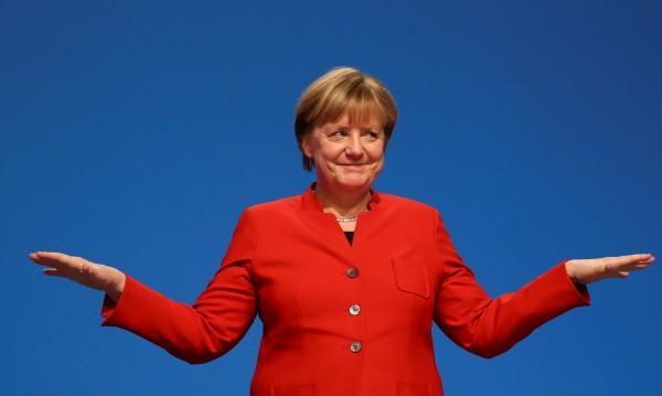 Меркел: Facebook, Danke und Auf Wiedersehen!