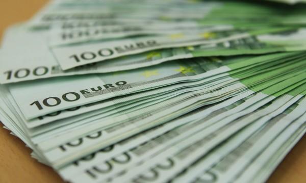 Минималната заплата – 446 евро в Румъния, 286 евро у нас