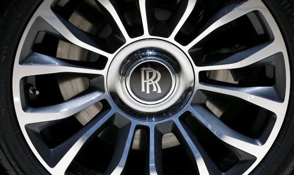 Това е стандарт: Британец си купи 6 Rolls-Royce наведнъж