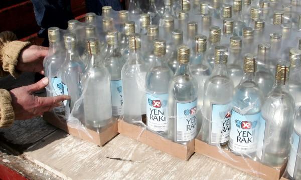 Пресушаването на Босфора: €23 за бутилка и изчезващите кръчми в Истанбул