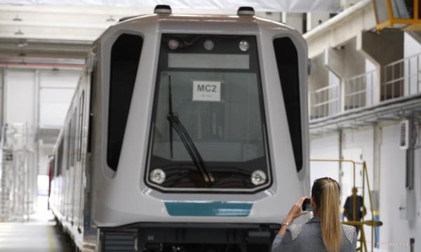 20 влака за новата линия на метрото, 13 от тях – вече у нас