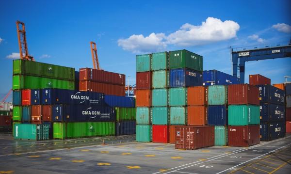 Търговската война: Положителна за САЩ, негативна за света