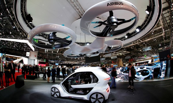 Бъдеще: Летището във Франкфурт планира летящи таксита