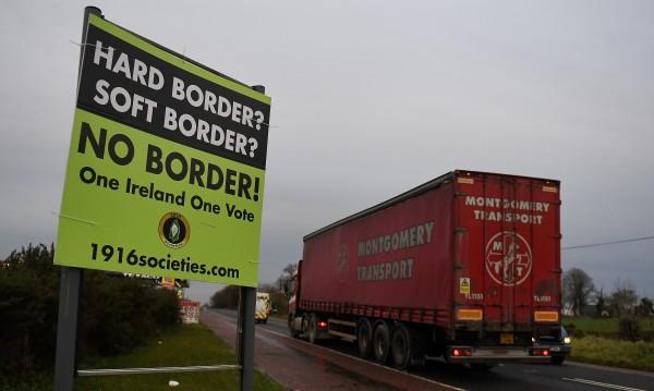 Защо хората по ирландската граница се страхуват от Brexit без сделка?