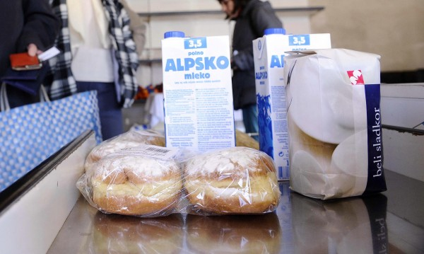 Словенски депутат подаде оставка, откраднал сандвич