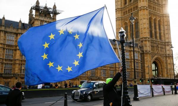Специална кампания за правата на българите след Brexit