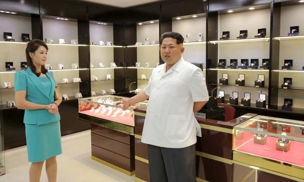 Културната революция на Ким Чен Ун – танцьорки, маратонки...