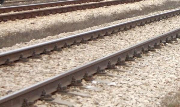 Заради счупване на релса дерайлирал влакът в Пловдив