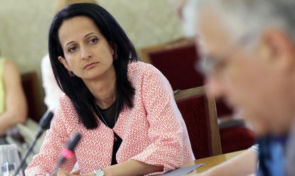 Карина Караиванова напуска КФН, отива в ЕБВР