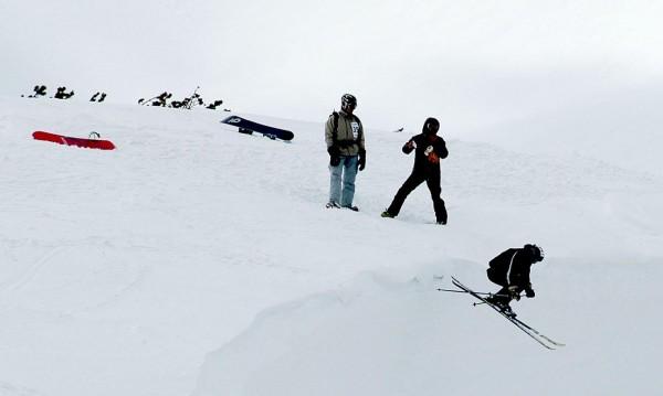 Румънски скиор блъсна 9-годишно дете в Пампорово