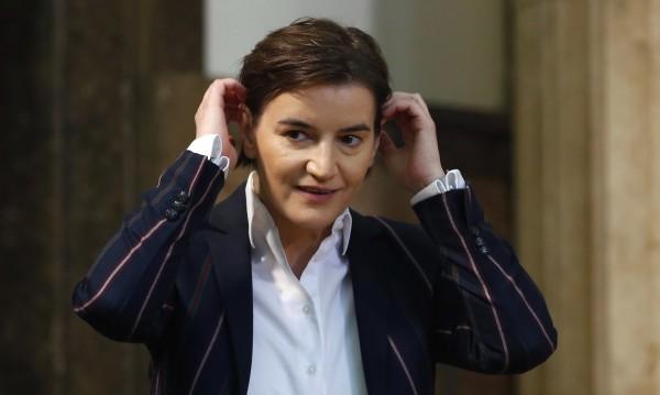 Партньорката на сръбската премиерка Бърнабич роди син