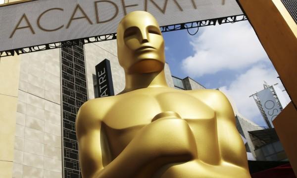 """Холивуд постла червения килим за """"Оскар""""-ите"""