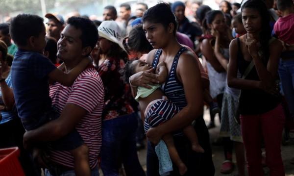 Унгария приела стотици венецуелски бежанци от унгарски произход