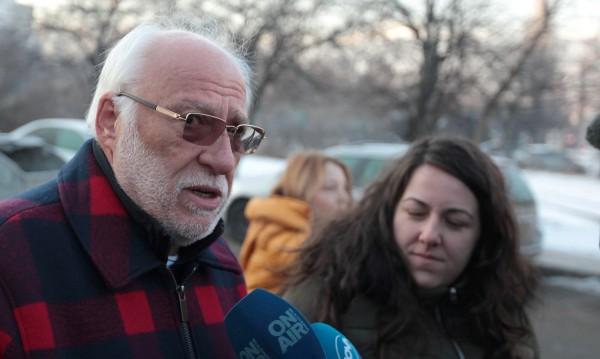 Маскиран мъж опитал да влезе в дома на Емилиян Гебрев