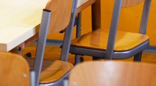 МОН с идеи за класните стаи: Стъклени прегради, повече място!