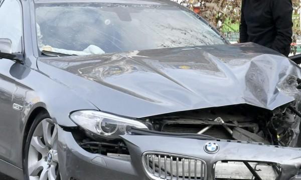 Кола се заби в ТИР на бензиностанция, шофьорът избяга
