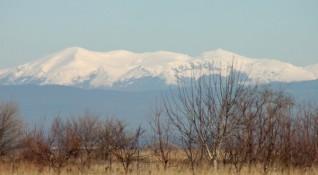Времето в неделя: Валежите спират, студът – остава