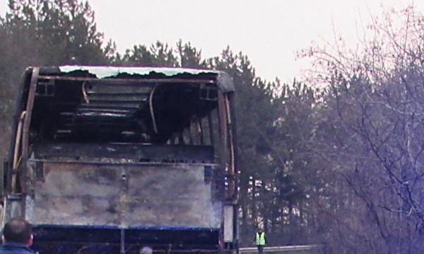 """Автобус се запали на """"Хемус"""", няма пострадали"""