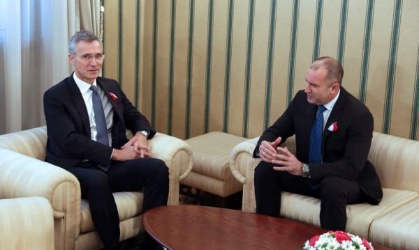 НФСБ ядосани на Радев – говорил на английски с шефа на НАТО