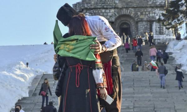 С българското знаме, на Шипка... Снимайте вашия 3 март