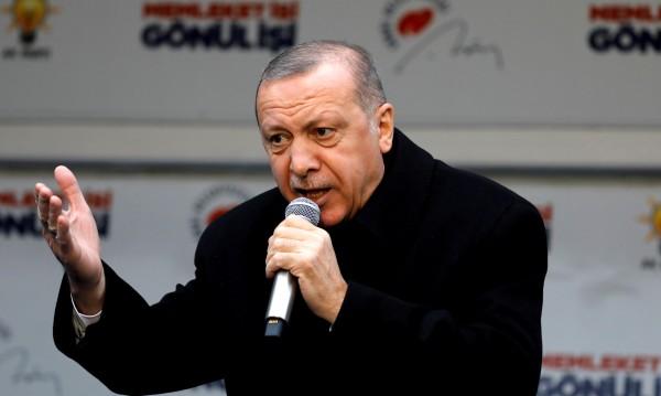 Лъжи, интриги... Предизборeн туит на Ердоган разгневи Турция