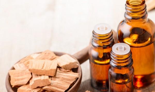 9 ползи за здравето от маслото от сандалово дърво