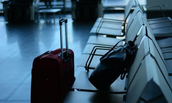Провокация? Дипломат от САЩ внесе мина на летище в Москва