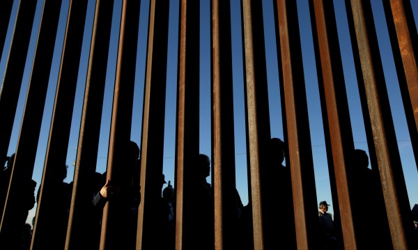 Тръмп ще поиска от Конгреса 8,6 млрд.долара за стената с Мексико