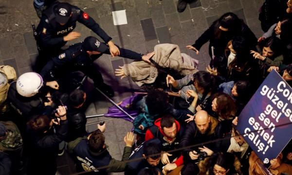 Ердоган: Осмомартенското шествие бе неуважително към исляма