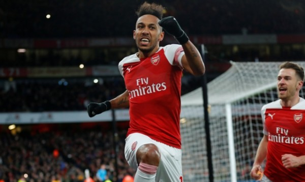 Арсенал нанесе първа загуба на Юнайтед на Оле