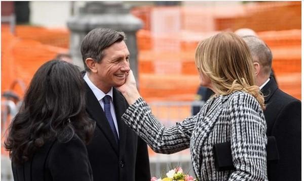 """Радева се подхлъзна със """"словенската"""" целувка, това не са баба и внуче!"""