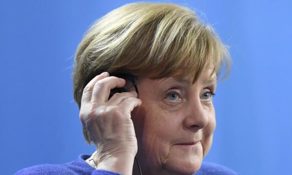 Политиката в Германия се оказа парализирана от Тръмп