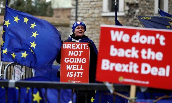 """Brexit се отлага – за 30 юни! Парламентът гласува """"за"""""""