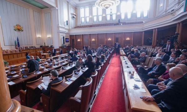 Ако ги няма хапчетата на Марешки, Каракачанов – при ДПС