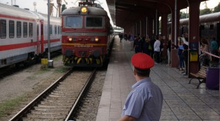 Тревога в БДЖ: Зачестиха случаите на замеряни влакове