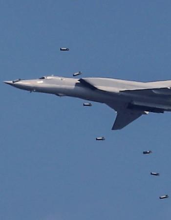 Руска ескадрила бомбардировачи Ту-22М3 акостира в Крим