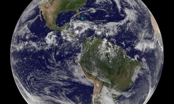 Учени картографираха океанското дъно: Има 10 000 планини