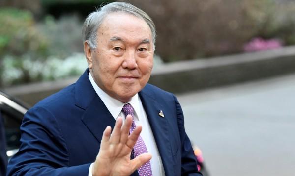 Президентът на Казахстан Назарбаев подаде оставка