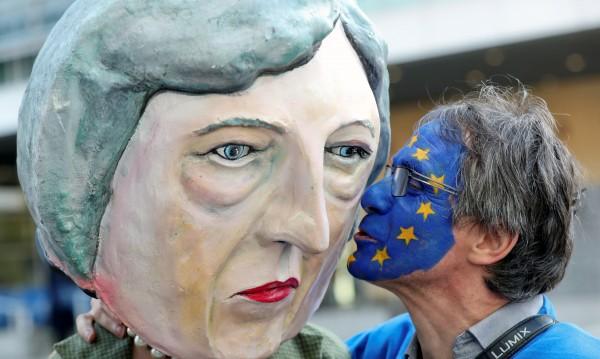 Лидерите от ЕС с няколко варианта за отлагане на Brexit