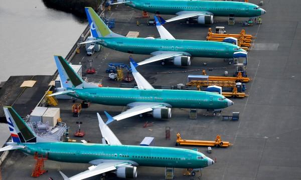 За да управляваш Boeing 737 са ти нужни 56 минути и таблет