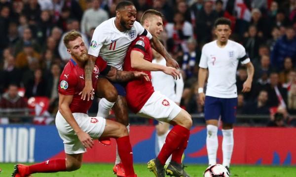 Англия унижи Чехия, разгроми я с 5:0