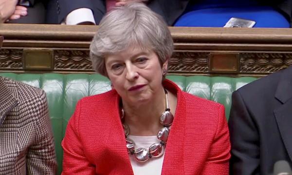 Времето изтече, Тереза! Оставка, за да има Brexit
