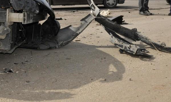 Трактор отне предимство на кола, 73-годишен мъж загина