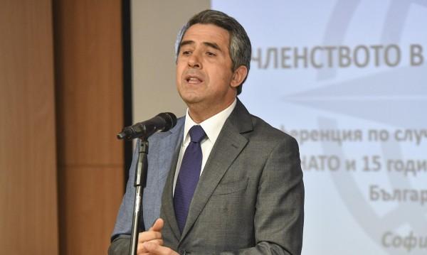 Плевнелиев: Битката вече не е десни - леви, а демократи и популисти
