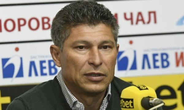 Сменя ли Хубчев в националния отбор? Балъков проговори