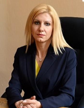 Съдийка от Перник сяда в стола на  Цецка Цачева