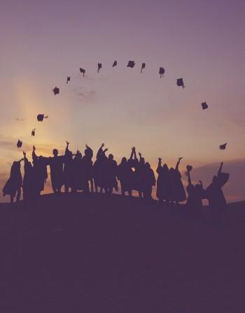 Проблемите и успехите в българското образование