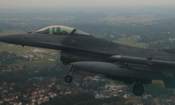 Преговорите за F-16 почват през май, до 2024 г. ще имаме 8 изтребители